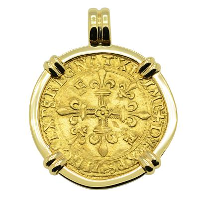 1515-1547, Francis I Golden Shield in 14k gold pendant
