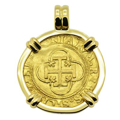 1516-1556, Johanna and Charles escudo in 18k gold pendant