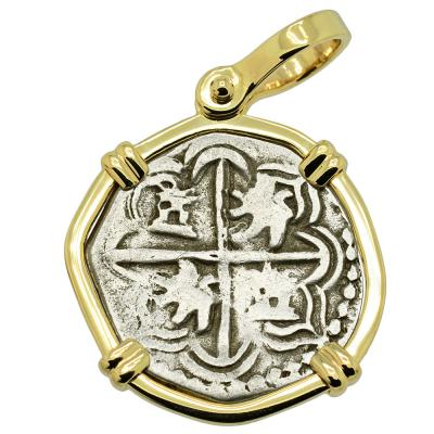 1598-1610 Spanish 1 real coin in gold pendant