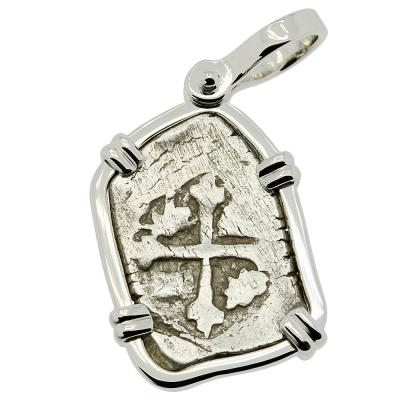 1700-1723 Spanish 1 real coin in white gold pendant