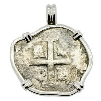 Spanish 2 reales dated 1725 in 14k white gold pendant, 1743 British East India Co. shipwreck.