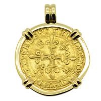 French 1515 - 1547, Ecu d'or Golden Shield in 14k gold pendant.