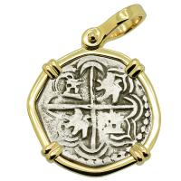 Colonial Spanish Peru, King Philip III one real 1598-1610, in 14k gold pendant.